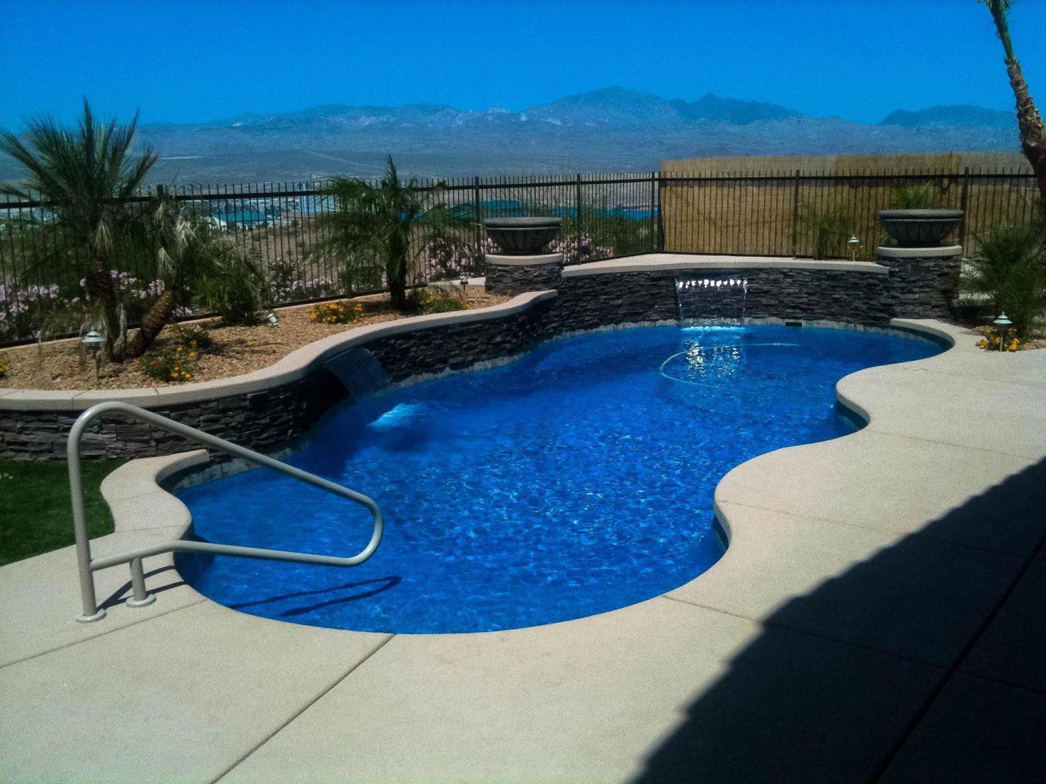 Pros Cons Of Gunite Fiberglass Pool Aquatic Pools And Landscape