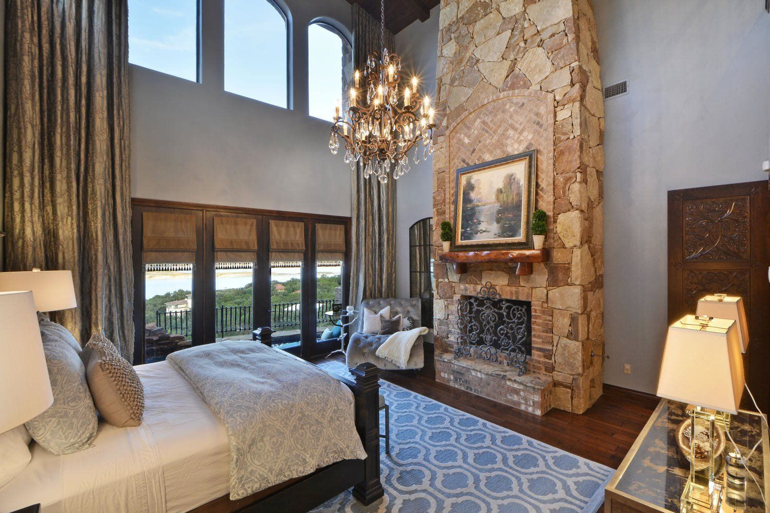 Austin luxury custom home builders masters touch custom for Custom home designs online