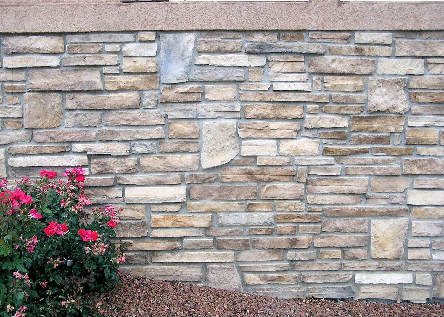 Exterior stone brick veneers sundance masonry for What is brick veneer house