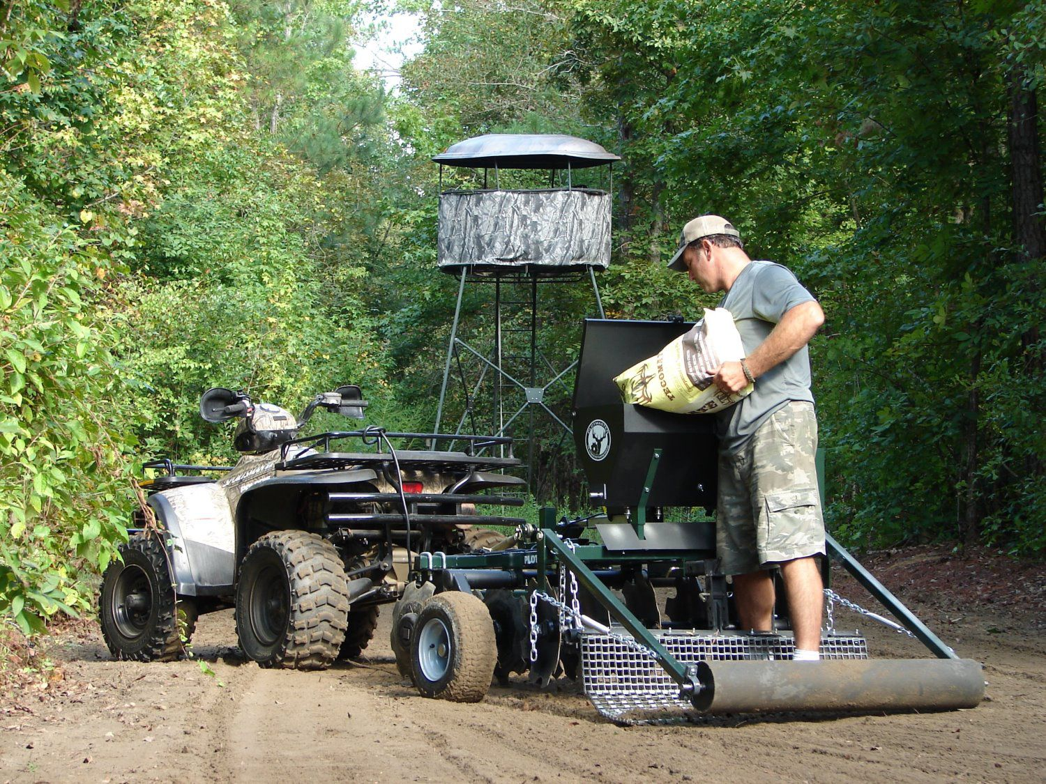 Food Plot Planters Amp Seeders Deer Amp Wildlife Plot